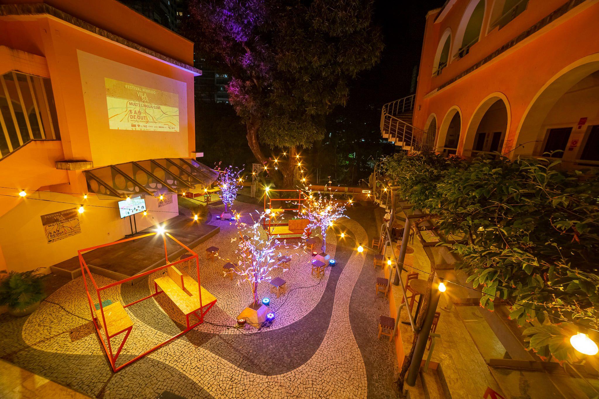 Pátio Interno do Goethe-Institut Salvador   Festival Híbrido   Foto Caio Lírio   exemplo de evento híbrido