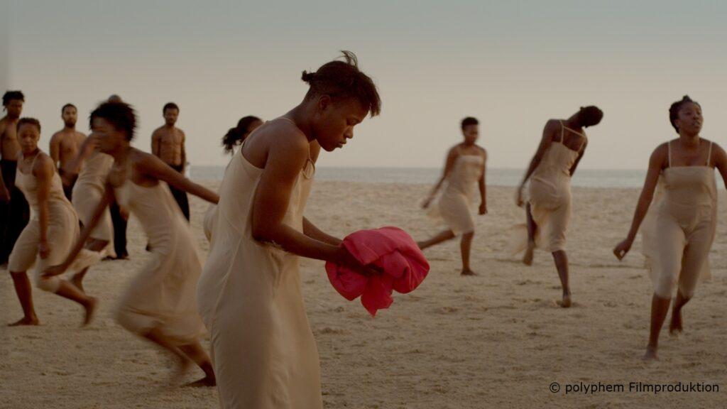 """Estreia No Brasil Remontagem De """"A Sagração Da Primavera"""", De Pina Bausch, Reunindo 38 Bailarinos De 14 Países Africanos."""